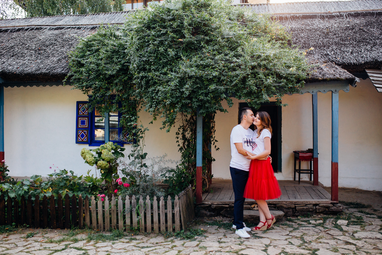 cristian-georgiana-sedinta-foto-muzeul-satului-1053